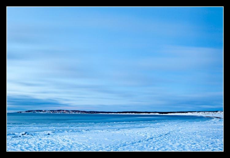 Vilshärad strand med Haverdalsbukten/Skallen på andra sidan